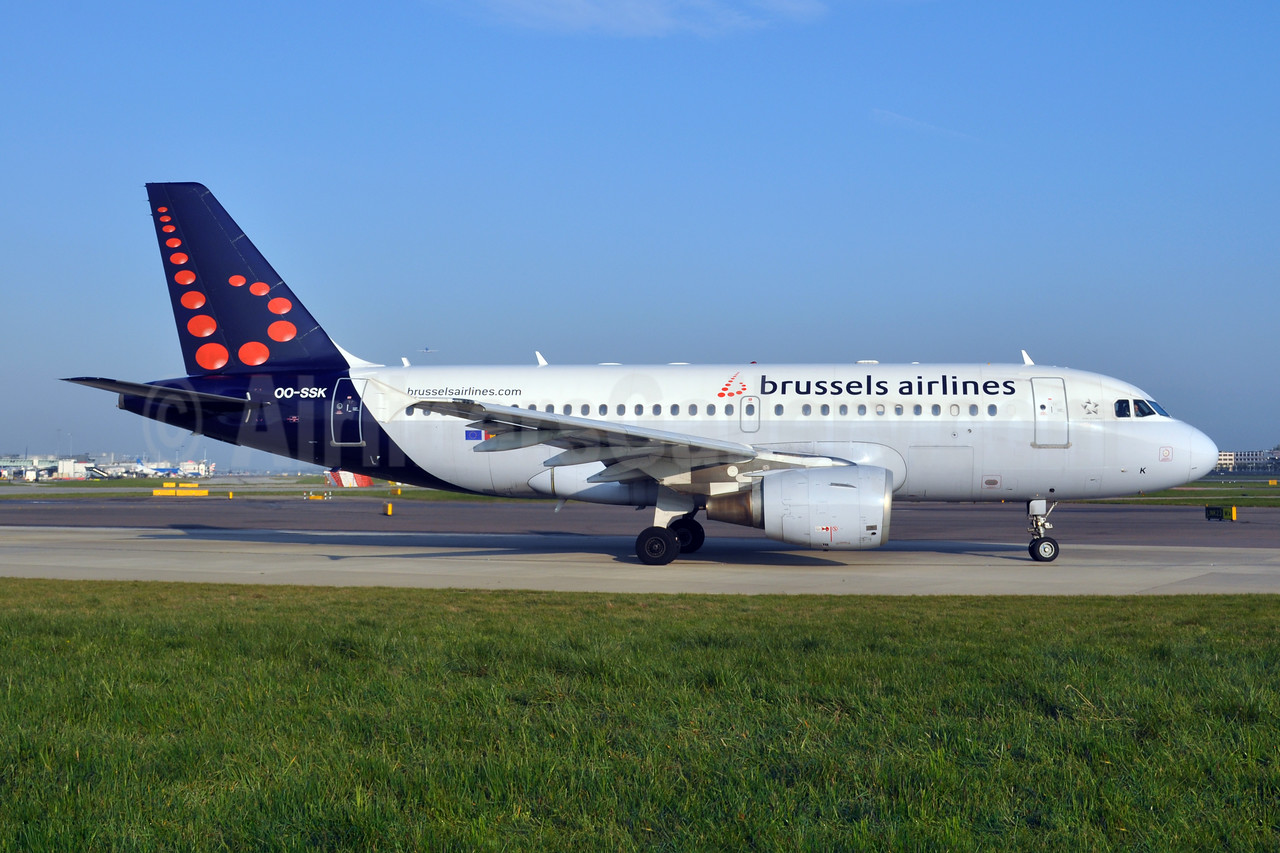 Brussels Airlines Airbus A319-112 OO-SSK (msn 1336) LHR (Dave Glendinning). Image: 908449.