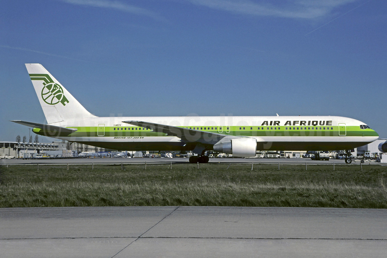 Air Afrique (Air Europe Italy) Boeing 767-330 ER I-AEIY (msn 25208) CDG (Christian Volpati). Image: 901260.