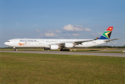 South African Airways Airbus A340-642 ZS-SNG (msn 557) (Beijing, China 2012) MUC (Arnd Wolf). Image: 908809.