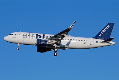 Airblue Airbus A320-214 WL F-WWIV (AP-EDG) (msn 5891) (Sharklets) TLS (Olivier Gregoire). Image: 921234.