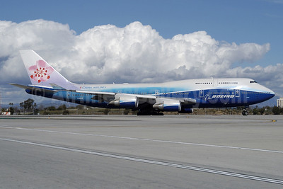 China Airlines Boeing 747-409 B-18210 (msn 33734) (Boeing colors) LAX (Roy Lock). Image: 904467.
