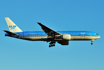 KLM Asia (KLM Royal Dutch Airlines) Boeing 777-206 ER PH-BQL (msn 34711) JFK (Ken Petersen). Image: 926018.