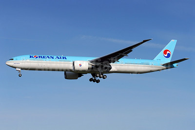 Korean Air Boeing 777-3B5 ER HL7782 (msn 37643) PAE (Royal S. King). Image: 903042.