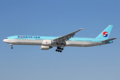 Korean Air Boeing 777-3B5 ER HL8275 (msn 37651) LAX (Michael B. Ing). Image: 920509.