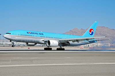 Korean Air Boeing 777-2B5 ER HL7575 (msn 28445) LAS (Eddie Maloney). Image: 920507.