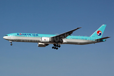Korean Air Boeing 777-3B5 ER HL7783 (msn 37644) LAX (Michael B. Ing). Image: 912586.