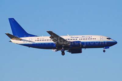 Kyrgyz Airways (Eastok Avia) Boeing 737-301 EX-37001 (msn 23937) (United Airlines colors) DME (OSDU). Image: 920517.