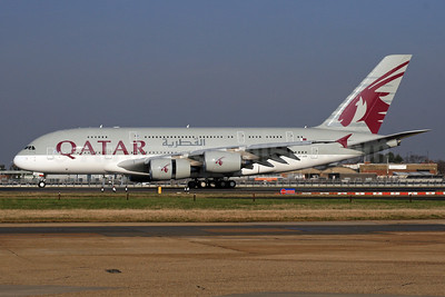 Qatar Airways Airbus A380-861 A7-APB (msn 143) LHR. Image: 926232.