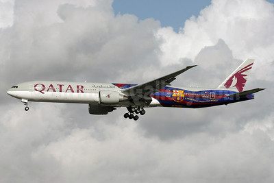 Qatar Airways Boeing 777-3DZ ER A7-BAE (msn 36104) (FC Barcelona - A Team that United the World) LHR (David Apps). Image: 922210.