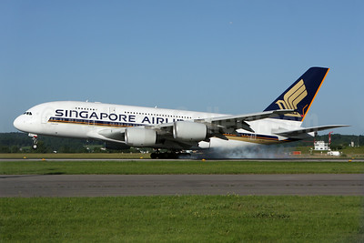 Singapore Airlines Airbus A380-841 9V-SKJ (msn 045) ZRH (andi Hiltl). Image: 923659.