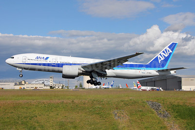 ANA (All Nippon Airways) Boeing 777-281 ER JA745A (msn 40904) PAE (Nick Dean). Image: 912564.