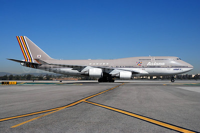 Asiana Airlines Boeing 747-48E HL7418 (msn 25780) LAX (Bruce Drum). Image: 100178.
