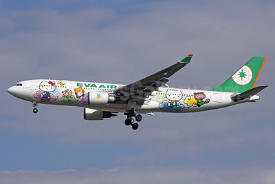EVA Air Airbus A330-203 B-16309 (msn 661) (Hello Kitty - 5th) NRT (Michael B. Ing). Image: 909668.