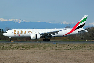 Emirates SkyCargo (Emirates Airline) Boeing 777-F1H A6-EFK (msn 35611) PAE (Nick Dean). Image: 912061.