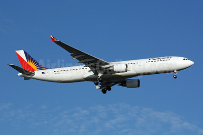 Philippines (Philippine Airlines) Airbus A330-301 RP-C3332 (msn 188) SIN (Michael B. Ing). Image: 901014.