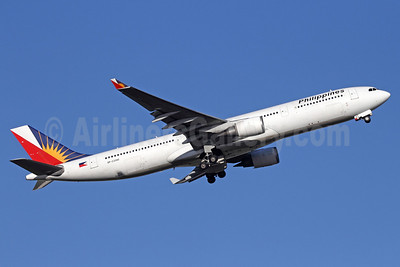 Philippines (Philippine Airlines) Airbus A330-301 RP-C3340 (msn 203) NRT (Michael B. Ing). Image: 911239.
