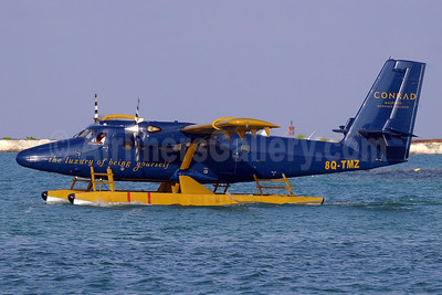 Trans Maldivian Airways (TMA) de Havilland Canada Viking DHC-6-400 Twin Otter 8Q-TMZ (msn 850) (Conrad Maldives Rangali Island) MLE (Paul Denton). Image: 911839.