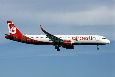 First Airberlin Airbus A321 with Sharklets