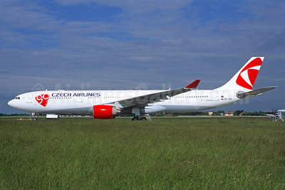Czech Airlines-CSA (Korean Air) Airbus A330-323X OK-YBA (msn 425) PRG (Jacques Guillem Collection). Image: 922357.