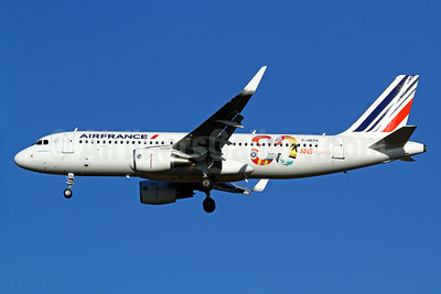 Air France Airbus A320-214 WL F-HEPG (msn 5802) (Sharklets) (80 ans-years) CDG (Manuel Negrerie). Image: 921916.