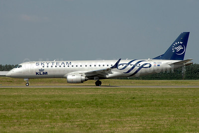 KLM Cityhopper Embraer ERJ 190-100LR PH-EZX (msn 19000545) (SkyTeam) AMS (TMK Photography). Image: 920504.
