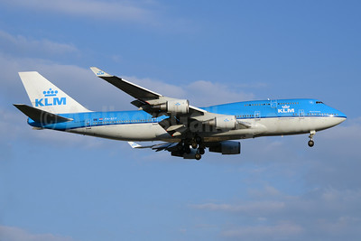 KLM Royal Dutch Airlines Boeing 747-406 PH-BFF (msn 24202) YYZ (TMK Photography). Image: 923345.