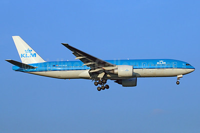 KLM Royal Dutch Airlines Boeing 777-206 ER PH-BQB (msn 33712) BKK (Michael B. Ing). Image: 923829.