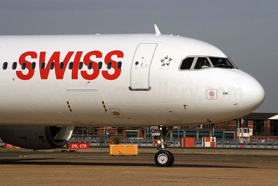 Swiss International Air Lines Airbus A321-111 HB-IOH (msn 664) LHR. Image: 926920.