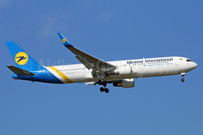 Ukraine International Airlines Boeing 767-322 ER WL UR-GEA (msn 25280) BKK (Michael B. Ing). Image: 921834.