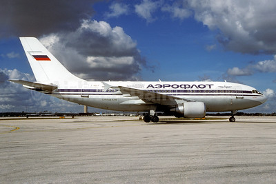 Aeroflot Russian International Airlines Airbus A310-325 F-OGYT (msn 660) MIA (Bruce Drum). Image: 102907.
