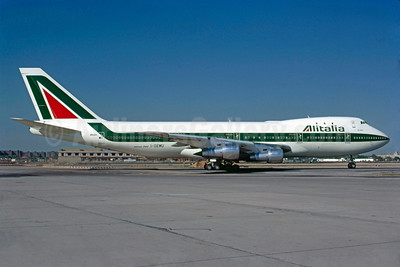 Alitalia (1st) (Linee Aeree Italiane) Boeing 747-243B I-DEMU (msn 19732) JFK (Bruce Drum). Image: 102781.