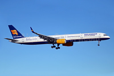 Icelandair Boeing 757-308 WL TF-FIX (msn 29434) YYZ (TMK Photography). Image: 908119.