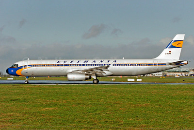 Lufthansa Airbus A321-131 D-AIRX (msn 887) (1955 retrojet) DUB (SM Fitzwilliams Collection). Image: 910659.