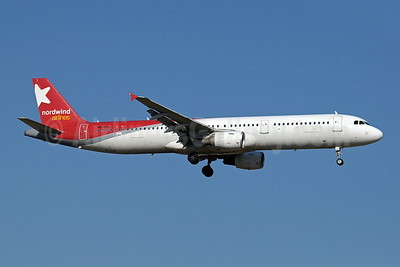 Nordwind Airlines Airbus A321-211 VQ-BOE (msn 1219) AYT (Paul Denton). Image: 909051.