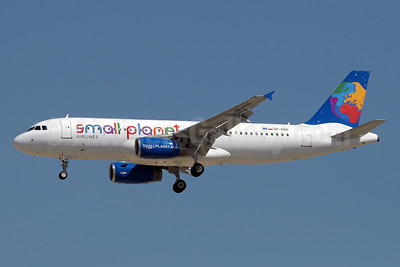Small Planet Airlines (Poland) Airbus A320-232 SP-HAD (msn 2016) DXB (Paul Denton). Image: 910954.
