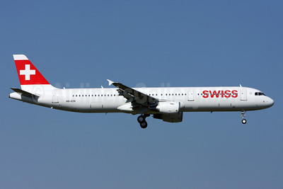 Swiss International Air Lines Airbus A321-212 HB-ION (msn 5567) ZRH (Andi Hiltl). Image: 911905.