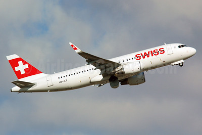 Swiss International Air Lines Airbus A320-214 WL HB-JLT (msn 5518) (Sharklets) MAN (Nik French). Image: 911577.