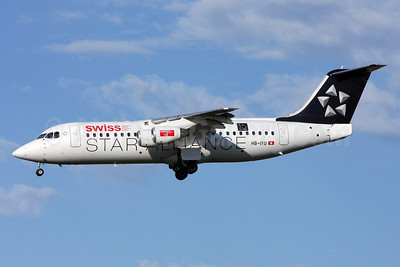 Swiss International Air Lines BAe RJ100 HB-IYU (msn E3379) (Star Alliance - 15 Years) ZRH (Andi Hiltl). Image: 911142.