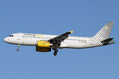 Vueling Airlines (Vueling.com) Airbus A320-232 EC-LQN (msn 2168) LHR (Keith Burton). Image: 911371.