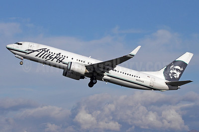 Alaska Airlines Boeing 737-890 WL N552AS (msn 34595) ANC (Michael B. Ing). Image: 920124.