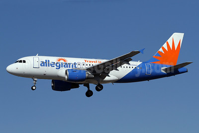 Allegiant Air Airbus A319-112 N310NV (msn 2224) LAX (James Helbock). Image: 921210.