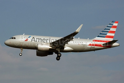 American Airlines Airbus A319-115 N93003 (msn 5704) (Sharklets) CLT (Jay Selman). Image: 402286.