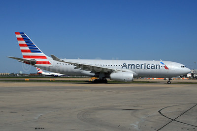American Airlines Airbus A330-243 N280AY (msn 1022) LHR. Image: 927352.
