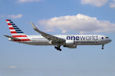 American Airlines Boeing 767-323 ER WL N343AN (msn 33082) (Oneworld) MIA (Ariel Shocron). Image: 922417.