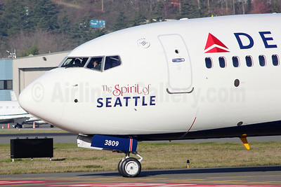 "Delta Air Lines Boeing 737-932 ER WL N809DN (msn 31915) ""The Spirit of Seattle"" BFI (Joe G. Walker). Image: 921635."
