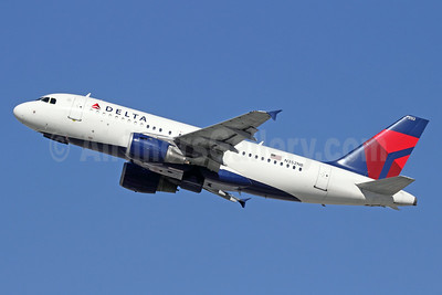 Delta Air Lines Airbus A319-114 N352NB (msn 1824) LAX (Michael B. Ing). Image: 921473.