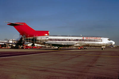 Northwest Airlines Boeing 727-51 N471US (msn 18807) MIA (Bruce Drum). Image: 101632.
