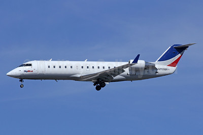 SkyWest Airlines (USA) Bombardier CRJ200 (CL-600-2B19) N709BR (msn 7850) LAX (Michael B. Ing). Image: 920704.