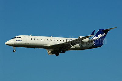 SkyWest Airlines (USA) Bombardier CRJ200 (CL-600-2B19) N693BR (msn 7761) LAX (Ton Jochems). Image: 920702.