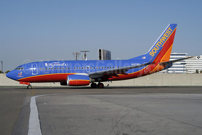"Southwest Airlines Boeing 737-7H4 WL N437WN (msn 29832) ""The Finals"" (NBA) LAX (Roy Lock). Image: 910634."